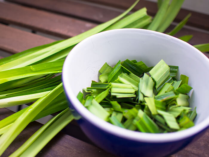 how to cook bird nest soup - pandan leaves 17